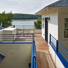 Traditional Deck by Homes By Architects Tour