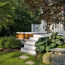 Traditional Deck by Charles C Hugo Landscape Design