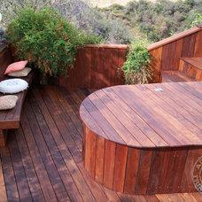 Contemporary Deck by AdvantageLumber.com