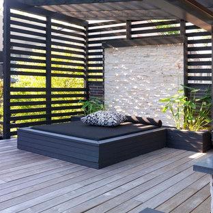 Foto di terrazze e balconi minimal dietro casa con una pergola