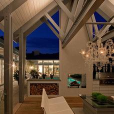 Contemporary Deck by Nigel Lewis Design LLC
