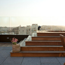 Contemporary Deck by De Meza + Architecture
