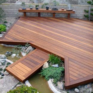 Imagen de terraza de estilo zen con fuente