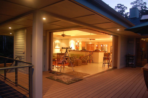 Contemporary Deck by Dinmore & Cisco Architects, Inc.