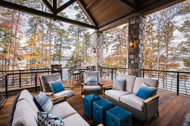 Rustic Deck by Gabriel Builders Inc.