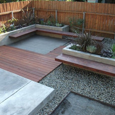 Contemporary Deck by Design Vessel Construction LLC