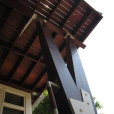 Contemporary Deck by Siegman Associates, Inc.