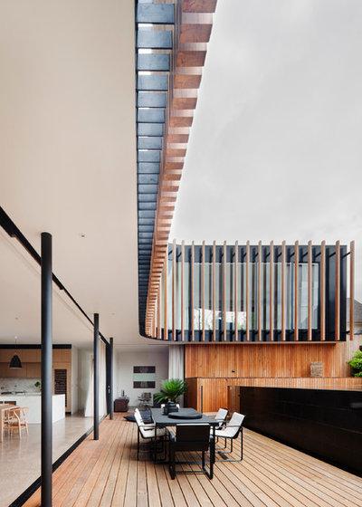 Contemporary Deck by Matt Gibson Architecture + Design