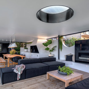 Inspiration for a contemporary deck in Newcastle - Maitland with a roof extension.