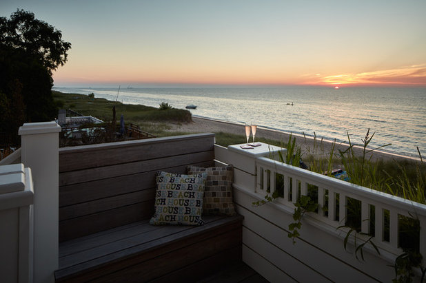Beach Style Deck by bba ARCHITECTS