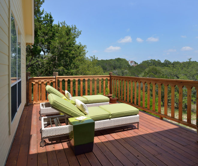 Traditional Deck by Laura Manchee Designs