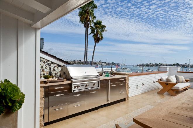 Beach Style Deck by Anne Michaelsen Design