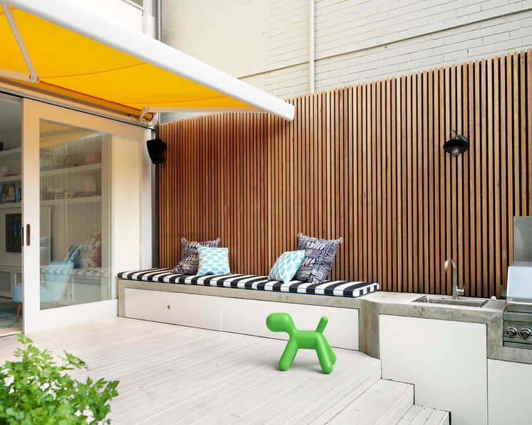 Contemporary Deck by Luigi Rosselli Architects
