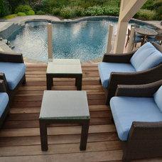 Modern Deck by Spring Creek Design