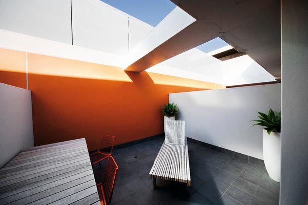 Industrial Deck by Dale Jones-Evans Pty Ltd Architecture