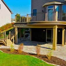 Transitional Deck by 4 Quarters Design & Build