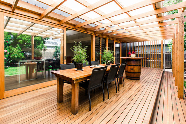 Contemporary Deck by Little Constructions