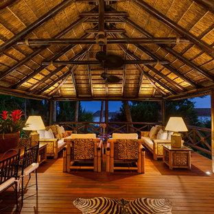 Deck - large tropical deck idea in Miami