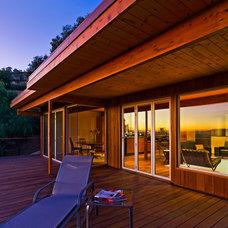 Contemporary Deck by AB design studio, inc.
