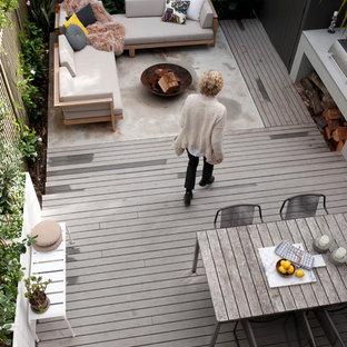 Foto de terraza retro con brasero