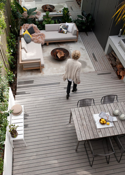 Midcentury Deck by ANNA CARIN Design