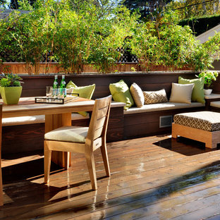 Example of a trendy deck design in San Francisco