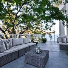 Contemporary Deck by Syberg Designs