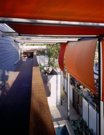 Industrial Terraza y balcón by Ehrlich Yanai Rhee Chaney Architects