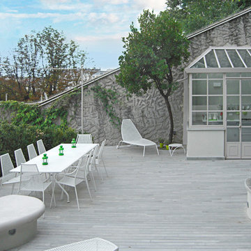 Modern white outdoor decking