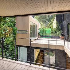 Contemporary Deck by PAUL CREMOUX studio