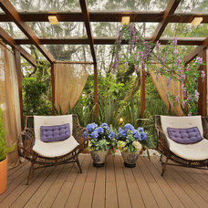 Traditional Deck by BENDER architecture