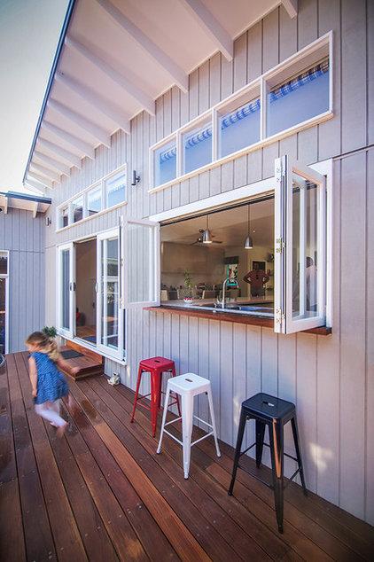 Kitchen Pass Throughs Make Outdoor Dining A Breeze