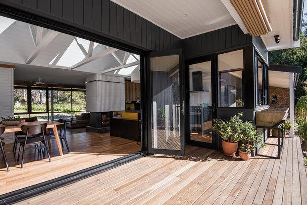 Midcentury Deck by Benedict Design