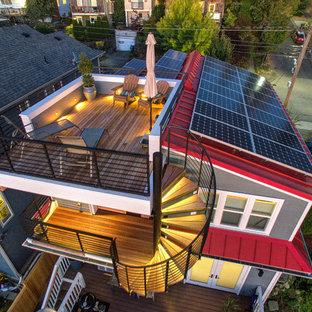 シアトルの中サイズのトランジショナルスタイルのおしゃれな屋上のデッキ (日よけなし) の写真
