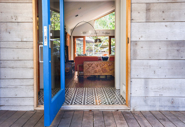 Eclectic Terrace & Balcony by STRUKTR Studios Photography