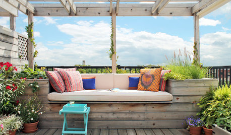 Lounge Spaces That Keep the Party Going Outside