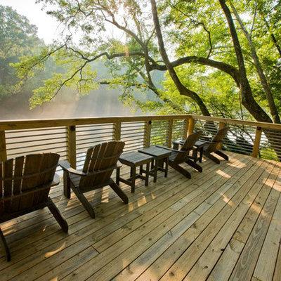 Mountain style deck photo in Atlanta