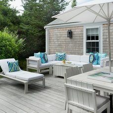 Beach Style Deck by Annsley Interiors