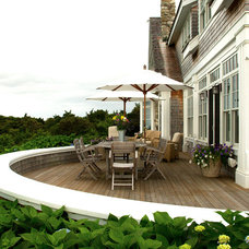 Beach Style Deck by Marcus Gleysteen Architects
