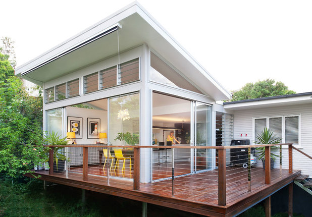 Contemporary Deck by Skyring Architects