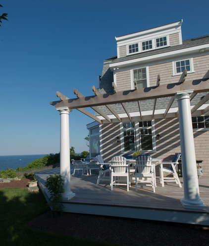 Beach Style Deck by HC Design