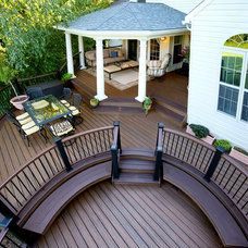 Traditional Deck by Amazing Decks
