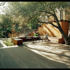 Contemporary Deck by Kaplan Architects, AIA