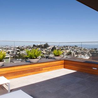 Immagine di una terrazza moderna con nessuna copertura