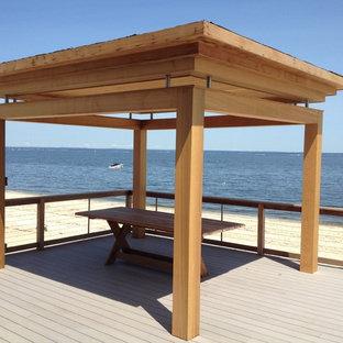 Deck - modern deck idea in New York
