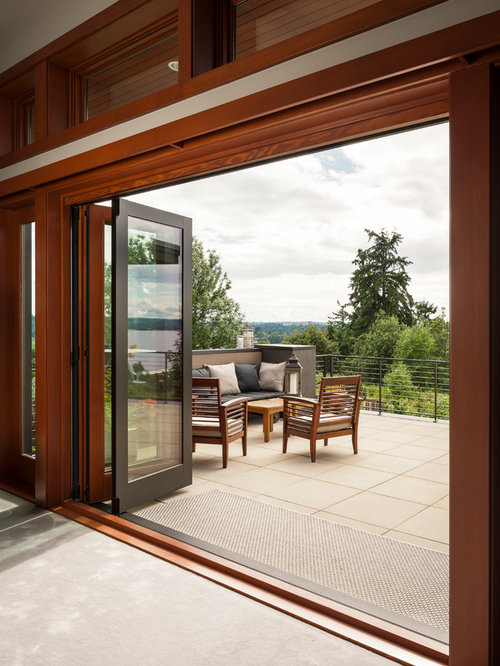 Inspiration For A Mid Sized Contemporary Deck Remodel In Seattle