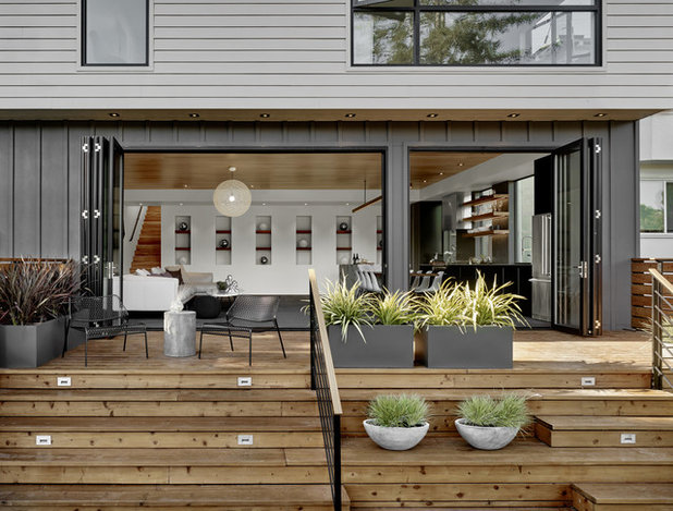 Midcentury Deck by Knock Architecture and Design