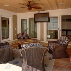 Beach Style Deck by iTEC Consultants