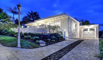 Ocean view deck Trex composite with post cap lights on the hand rails
