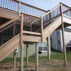 Modern Deck by Advantage Carpentry & Remodeling, LLC